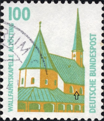 Bundes 1406 A Stain on the right facade.jpg